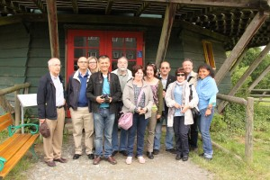 Die Besuchergruppe im Museum Hessenpark