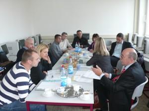 Diskussion der nächsten Projektschritte - Discusión de las etapas siquientes del proyecto