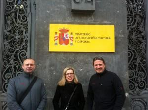 Vor dem Ministerio de Educación y Cultura y Deporte in Madrid